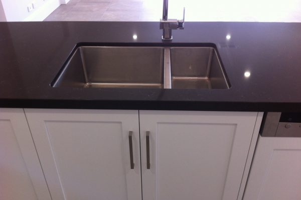 Seaton kitchen undermount sink in stone top web